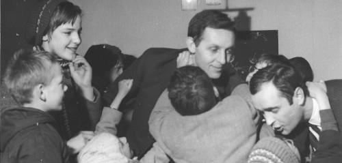 Gilbert Cotteau réunit un premier groupe de jeunes.