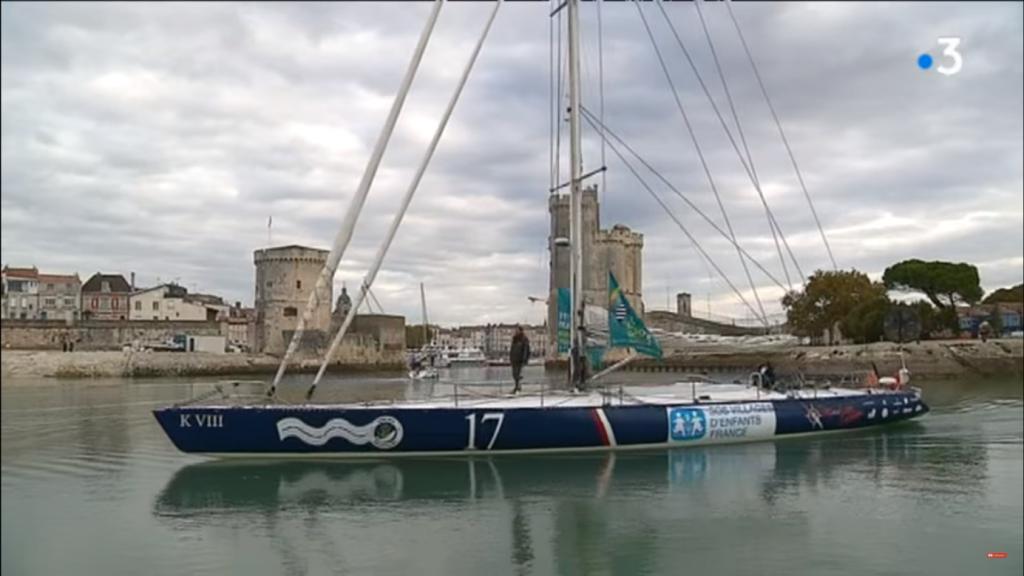 Le bateau de Wilfrid Clerton aux couleurs de SOS Villages d'Enfants