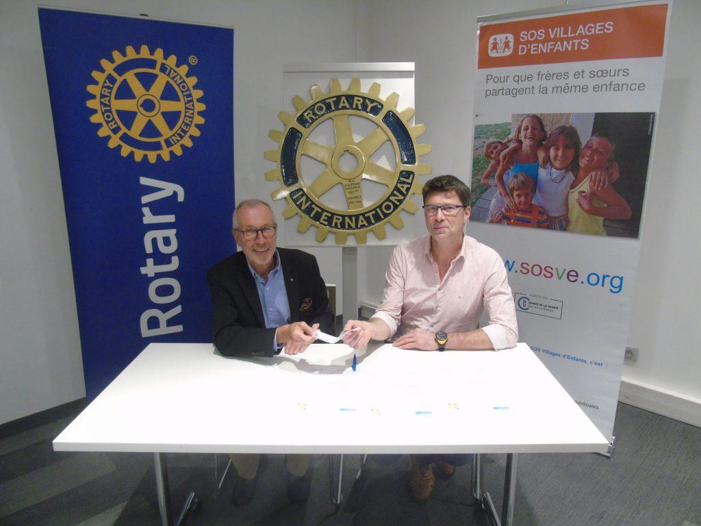 Remise de chèque Rotary SOS Villages d'Enfants